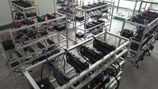 Farmy na Ťažbu Kryptomien - Bitcoin, Ethereum, Litecoin